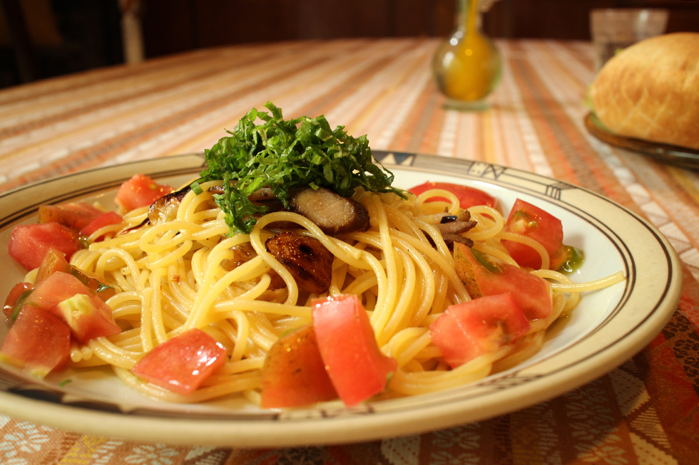 トマトたっぷりペペロンチーノ